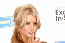 10 Dumbest Female Celebrities (With Quotes)!