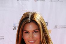 """""""Untouched"""" Photo Of Cindy Crawford Was A Fake"""