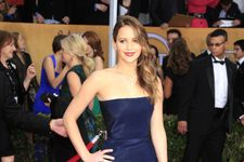Jennifer Lawrence's Bizarre Remark About Her SAG Awards Dress!