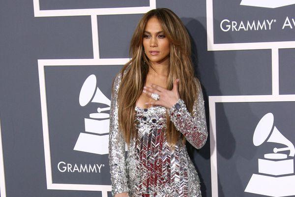 Cougar Alert: 14 Female Stars Who Love Dating Younger Men!