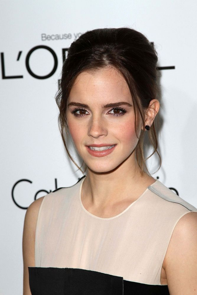 Emma Watson Dishes on Her Favorite Beauty Products - Fame10
