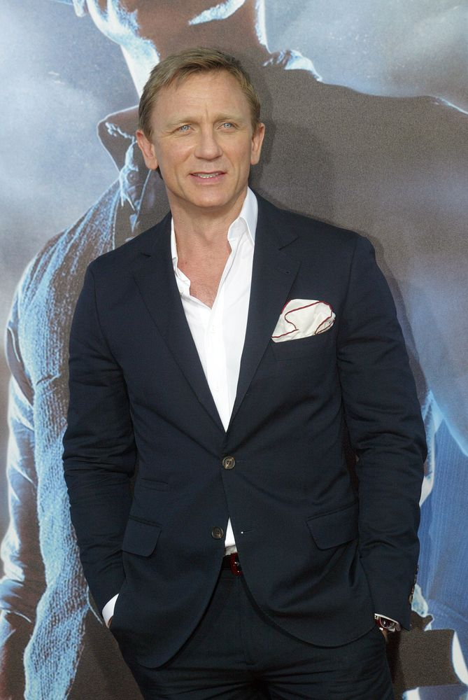 Daniel Craig Undergoes Knee Surgery After Injury On Spectre Set
