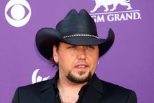 Jason Aldean Dating The Woman He Cheated With!