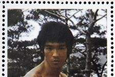 Bruce Lee's Famed Yellow Jumpsuit Up for Auction