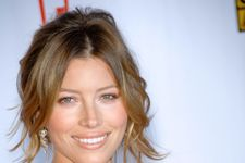 Jessica Biel Wows On The Beach During Vacation!