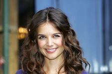 Katie Holmes Admits Obsession With Cookie Dough on Rachael Ray!