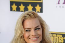 Margot Robbie Behind the Scenes of 'Vanity Fair' Hollywood Issue Cover Shoot