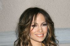 Jennifer Lopez Shares Makeup Free Pic