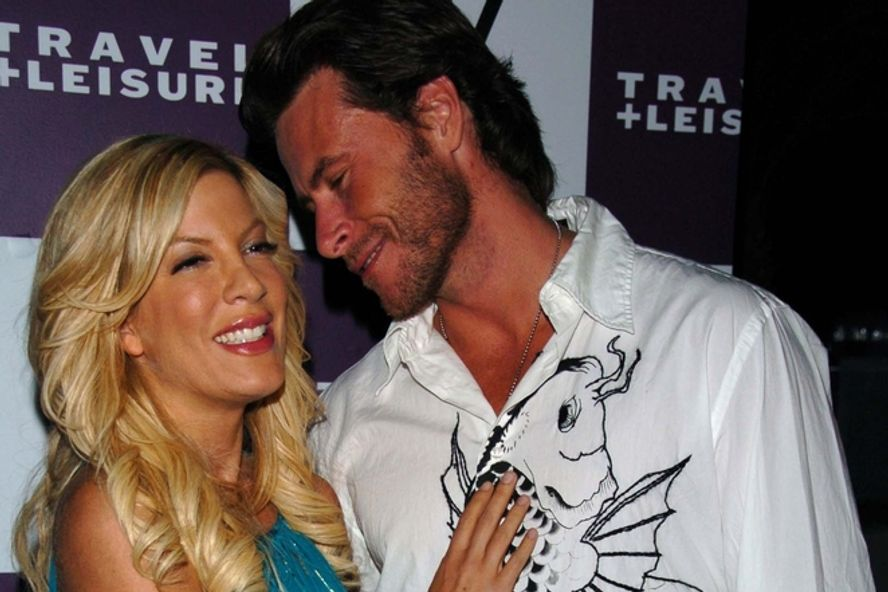 10 Reasons Why Tori Spelling Should Divorce Dean McDermott!