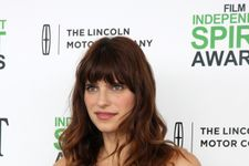 Lake Bell Shows Off Baby Bump In A Tight Blue Gown