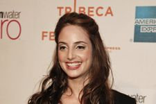 Alexa Ray Joel Faints While Performing On Stage