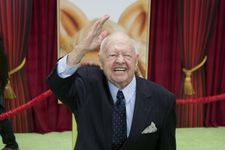 Mickey Rooney Cuts Wife And Children From His Will