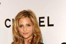 Sarah Michelle Gellar And Alyson Hannigan Post Awesome Buffy Reunion Photo