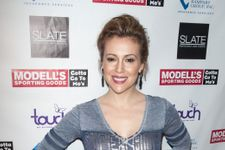Alyssa Milano Outraged After Heathrow Confiscates Breast Milk