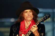 Aerosmith Star Causes Tension Over Autobiography