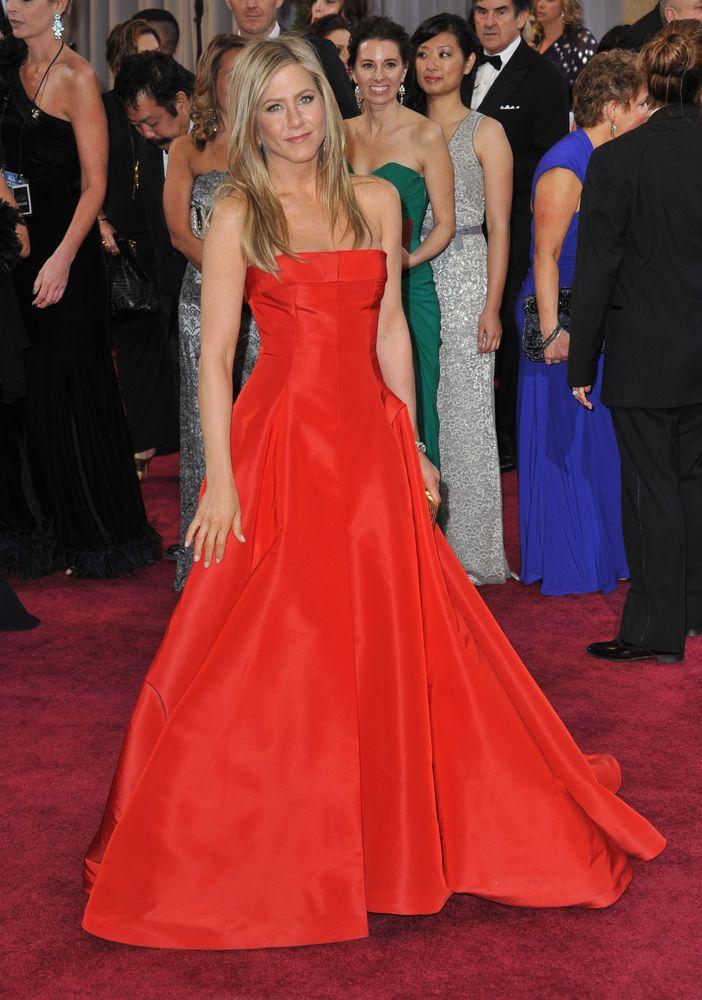 Fame10 Fashion Evolution: Jennifer Aniston - Fame10