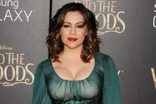Alyssa Milano Is Weirdly Witchy At Premiere (Photo)