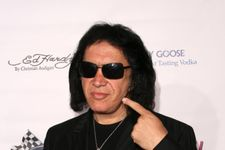Gene Simmons' Home Searched By LAPD Task Force, Rocker Not A Suspect