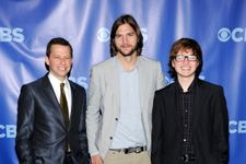 Ashton Kutcher Posts Tribute To Jon Cryer For 'Two And A Half Men' Finale