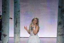"""Lady Gaga Stuns With """"Sound Of Music"""" Performance At 2015 Oscars"""