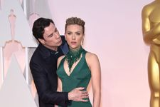 """Scarlett Johansson Responds To """"Creepy"""" Kiss From John Travolta At Oscars"""