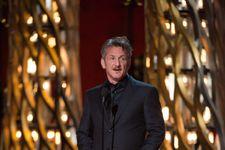 Sean Penn Won't Apologize For 'Green Card Joke' At Oscars