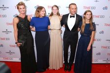 Tim McGraw, Faith Hill Make Rare Red Carpet Appearance With 3 Daughters