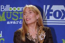Joni Mitchell Health Update: Did Suffer An Aneurysm, Is 'Speaking Well'
