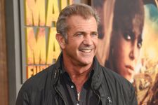 Mel Gibson Makes Surprise Appearance At 'Mad Max: Fury Road' Premiere