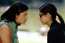 Selma Blair And Sarah Michelle Gellar Recreate 'Cruel Intentions' Kiss