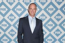 Christopher Meloni Announces Return As Elliot Stabler In New 'Law & Order: SVU' Spin-off