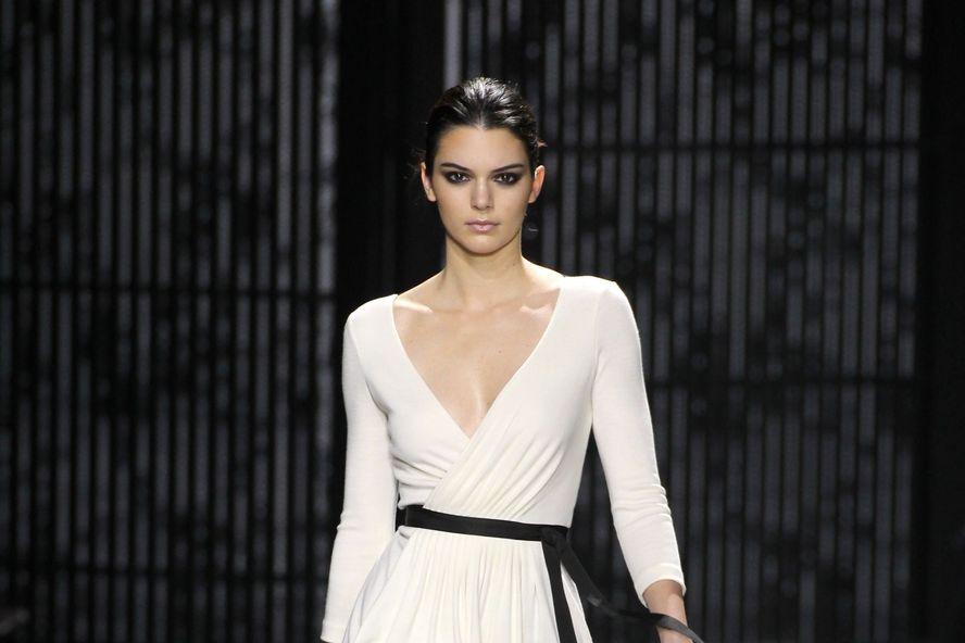 Les 12 travaux de mannequin les plus en vogue de Kendall Jenner