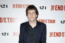 """Jesse Eisenberg Doesn't Apologize For Comic-Con """"Genocide"""" Comments"""
