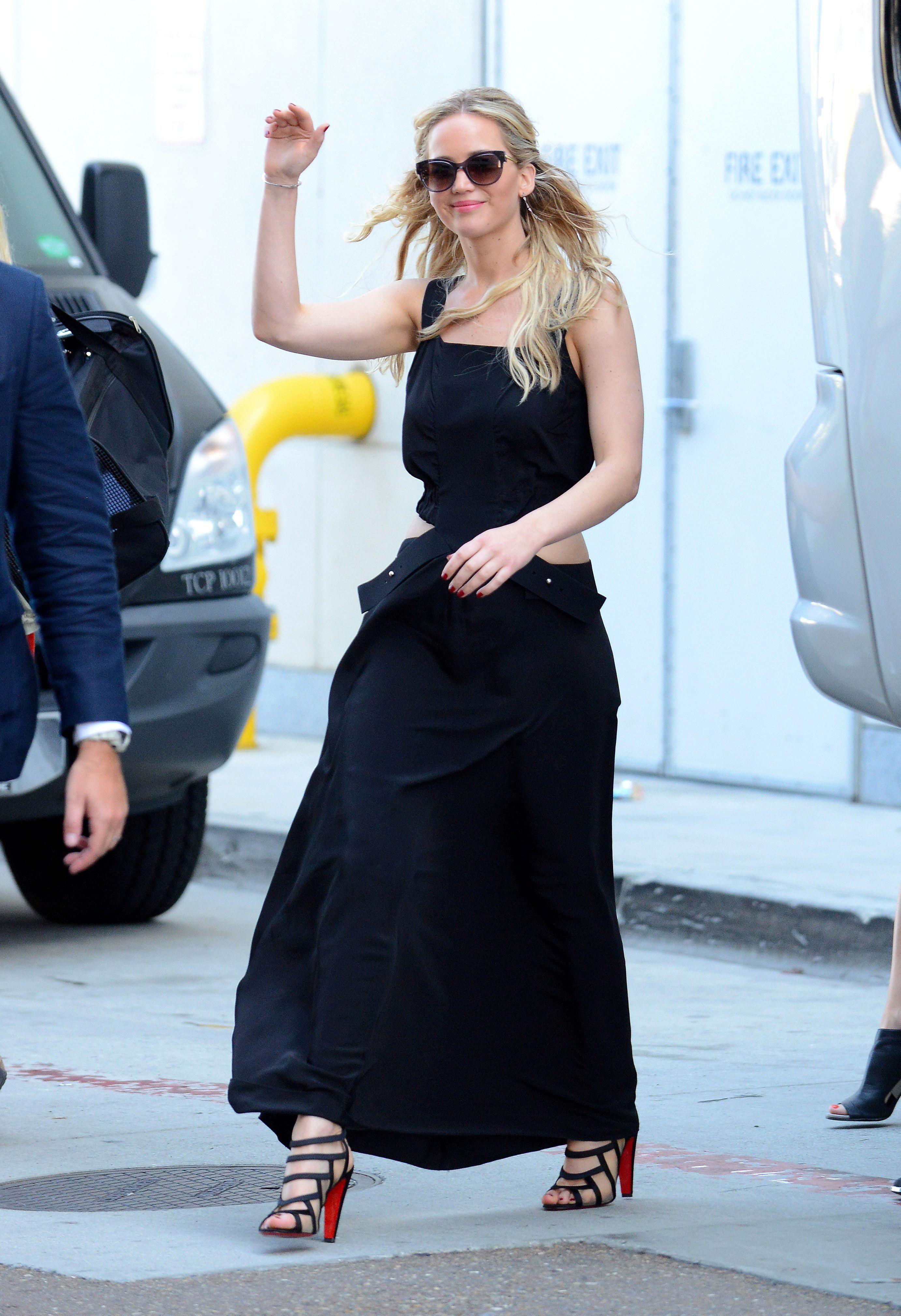 10 Reasons Fans Love Jennifer Lawrence - Fame10
