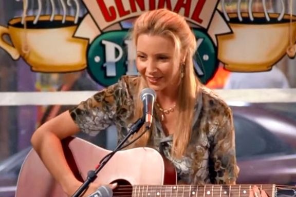 Phoebe's 10 Funniest Moments On Friends