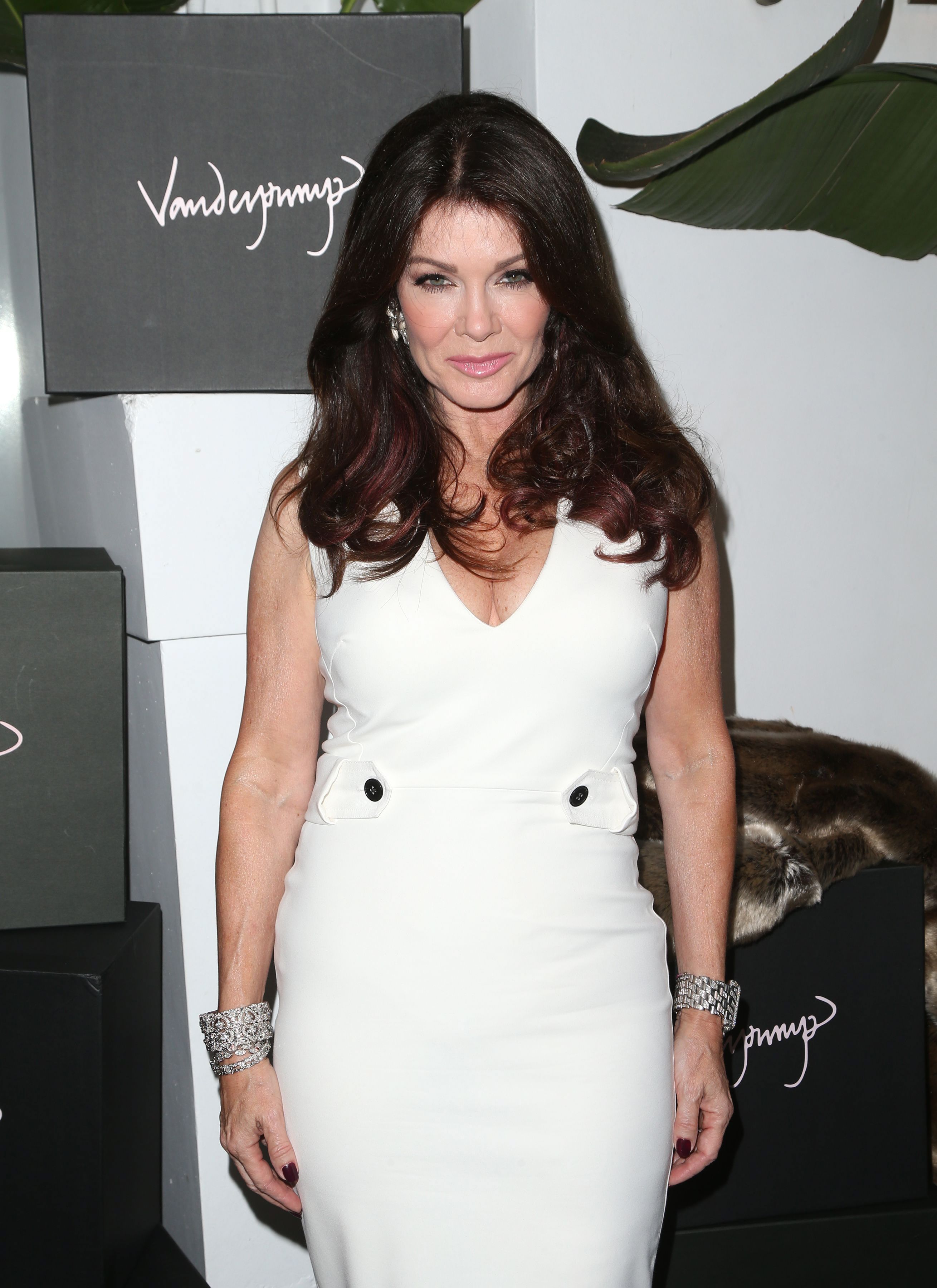 Cast of Real Housewives of Beverly Hills: How Much Are They Worth? - Fame10