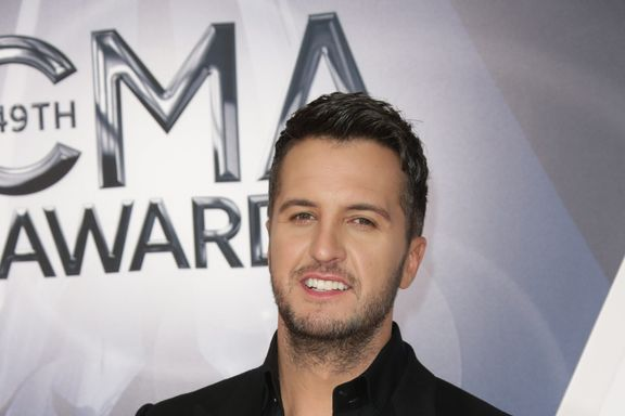 12 Popular Country Stars: How Much Are They Worth?