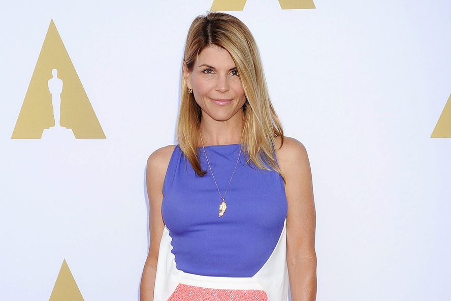 'Fuller House' Explains Aunt Becky's Absence After Lori Loughlin Legal Trouble