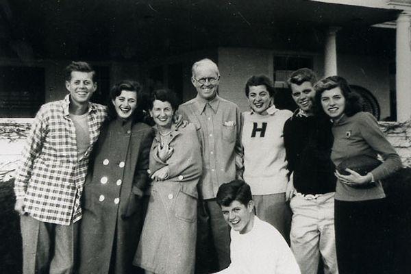 10 Famous Families With Big Secrets