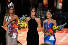 Wrong Winner Crowned In Miss Universe 2015: See The Moment