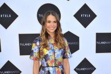 Gilmore Girls Revival Adds More Stars Including Younger's Sutton Foster