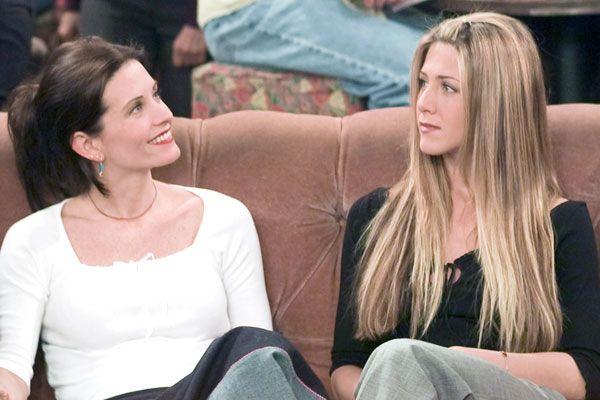 Friends: 10 Best Rachel And Monica Moments