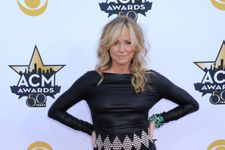 13 Forgotten Female Country Music Stars From The 90s: Where Are They Now?
