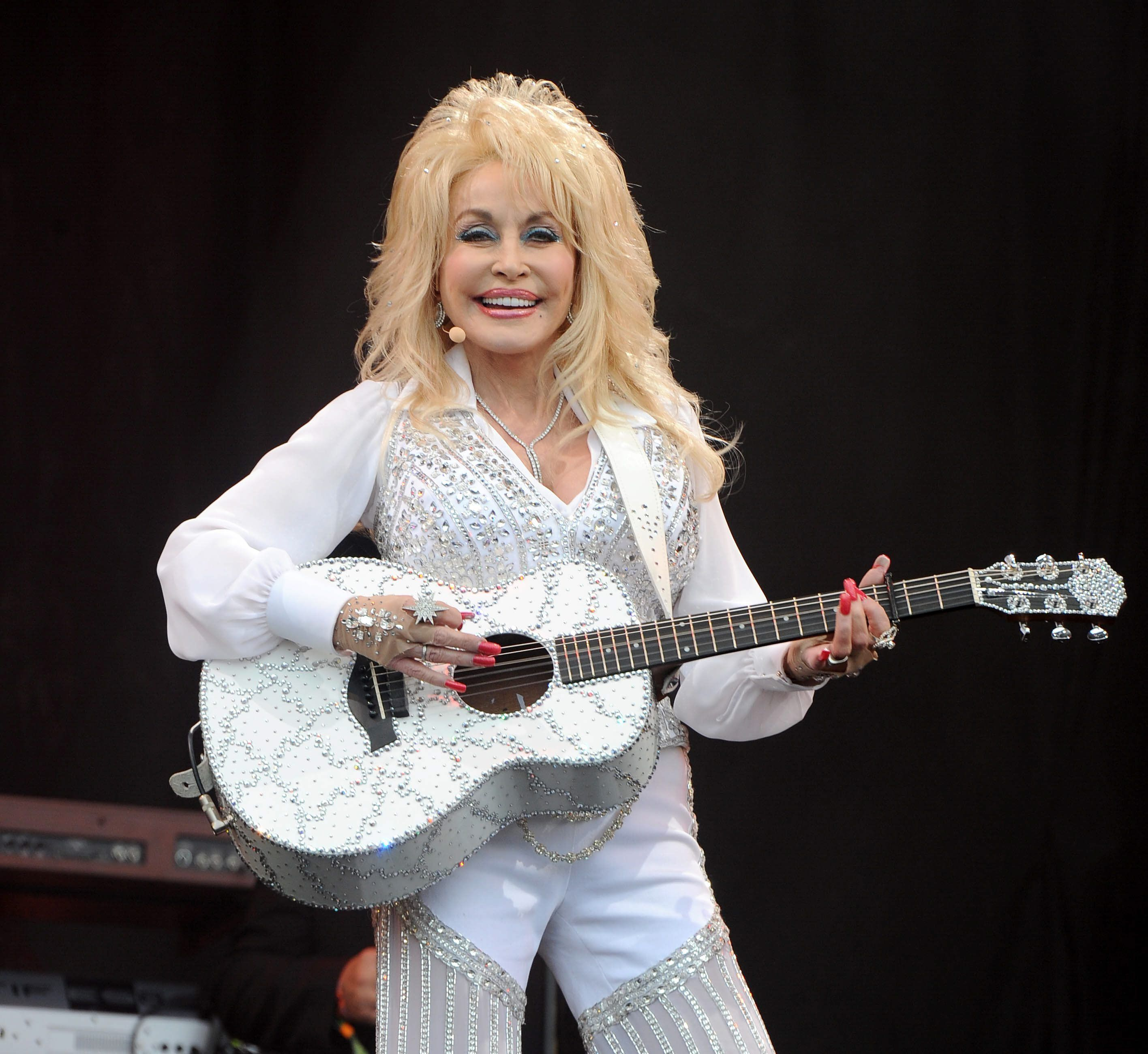 Things You Might Not Know About Dolly Parton - Fame10