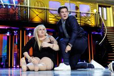 Rebel Wilson And Adam DeVine Make Out After Winning At MTV Movie Awards