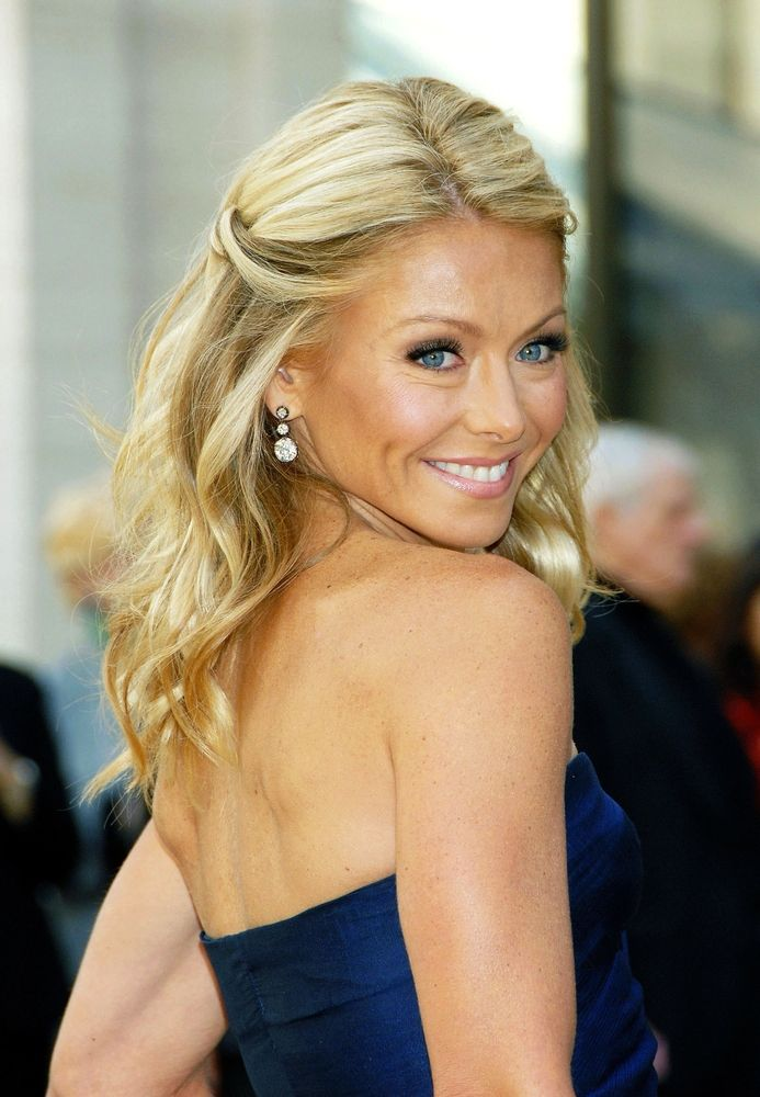Things You Might Not Know About Kelly Ripa - Fame10