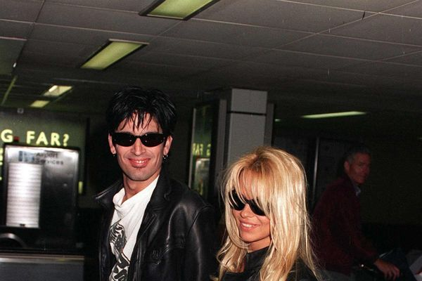 10 Forgotten Celebrity Scandals Of The '90s
