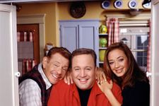 """Leah Remini Remembers Late Jerry Stiller As """"More Than A Comedy Legend"""""""