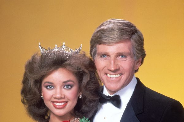 7 Forgotten Celebrity Scandals Of The '80s