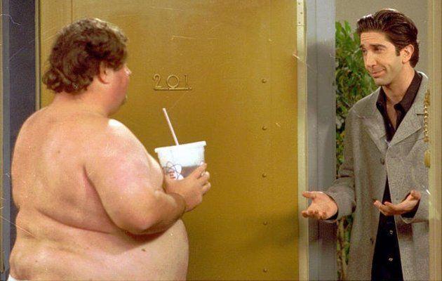 Wij weten wie de Ugly Naked Guy van Friends is! - Chicklit
